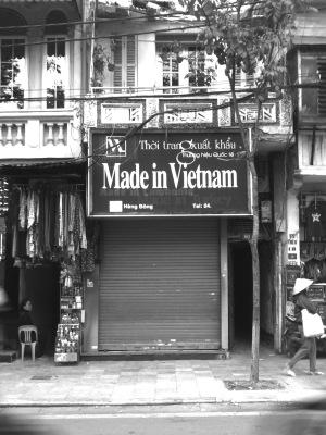 Straßenzug in Hanoi (Made in Vietnam, vorher Cambodia)